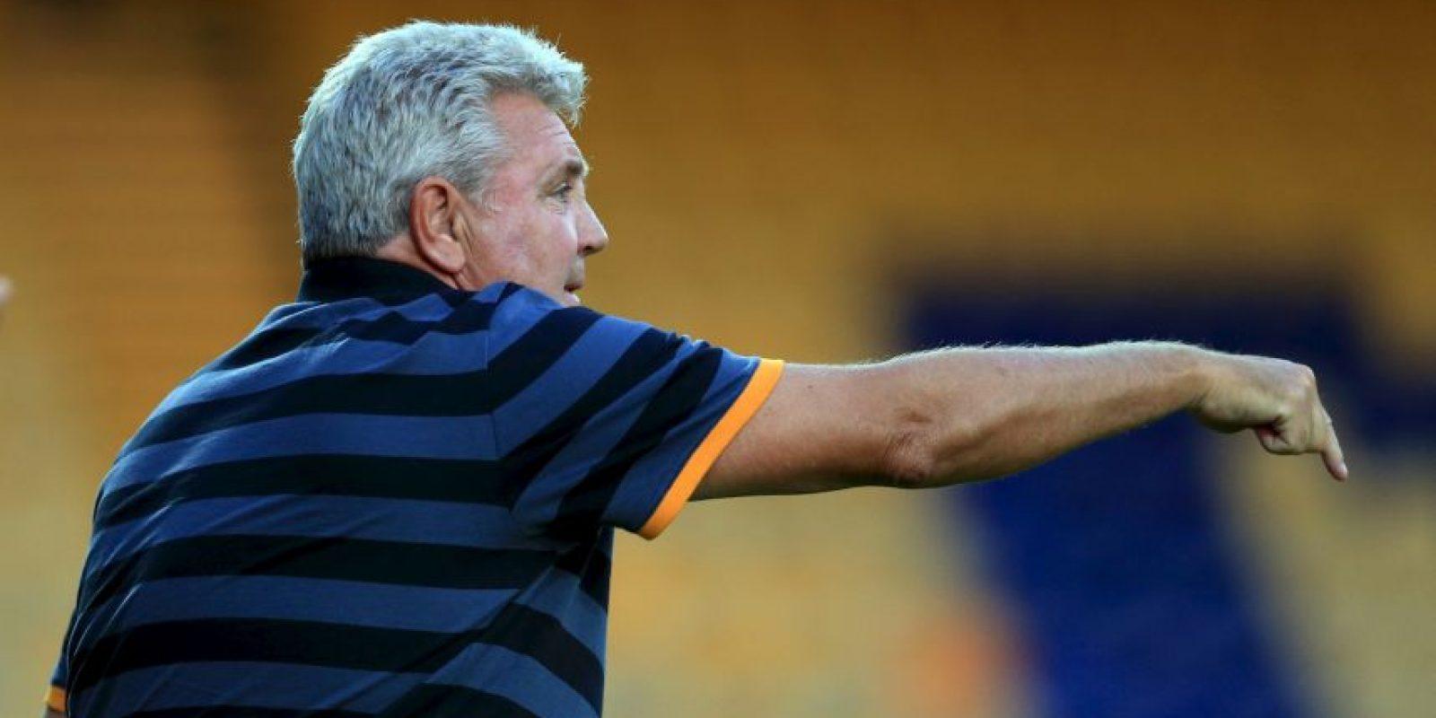 Steve Bruce renunció a su cargo por las condiciones de trabajo Foto:Getty Images