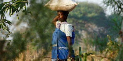 """En Malaui, las jóvenes deben recibir la pubertad con un rito sexual que las """"limpia"""" tras su primera menstruación. Foto:Getty Images"""