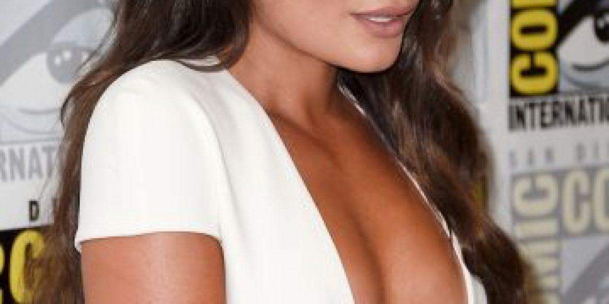 Lea Michele sorprende con revelador escote en la Comic Con