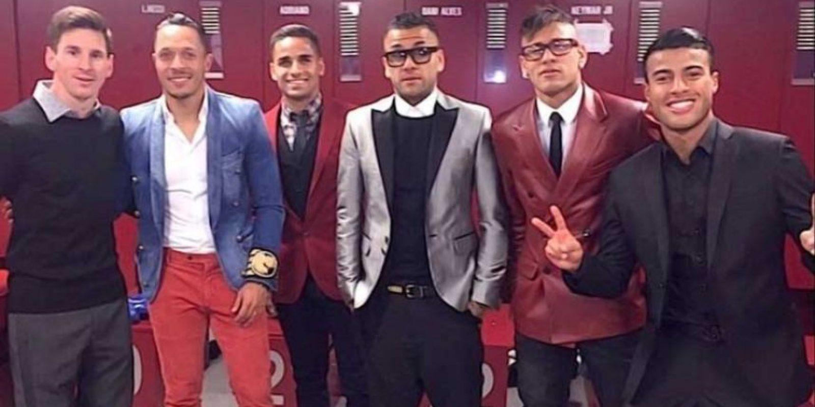 En 2015, Neymar compartió esta foto y Messi recibió burlas por su look tan formal. Foto:Vía instagram.com/neymarjr