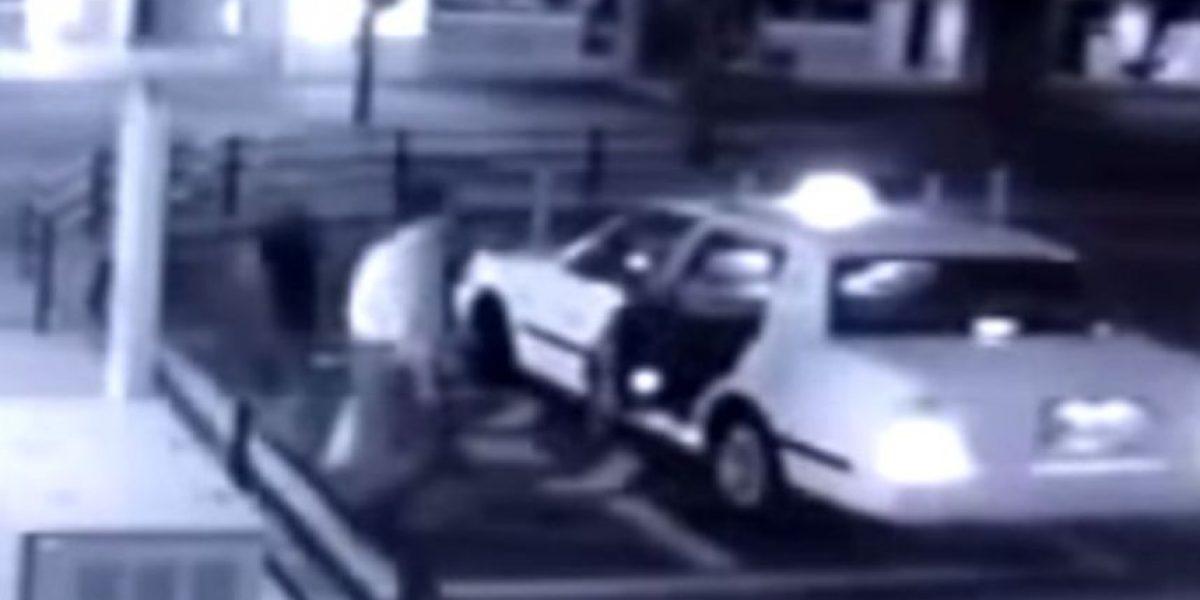 Video: Hombre pidió un taxi, pero algo aterrador se subió con él