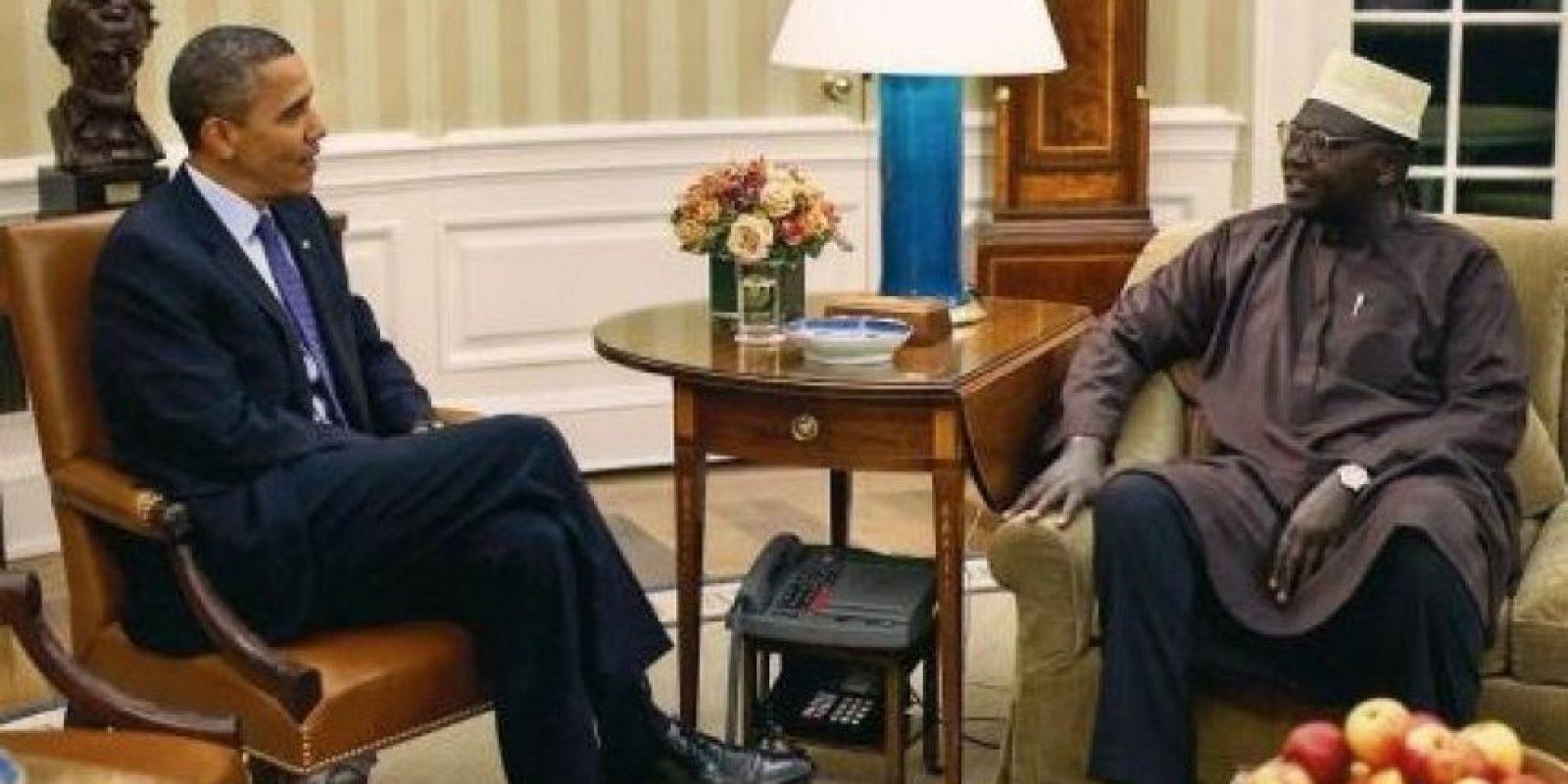Barack Obama y su medio hermano, Malik Foto:White Housse