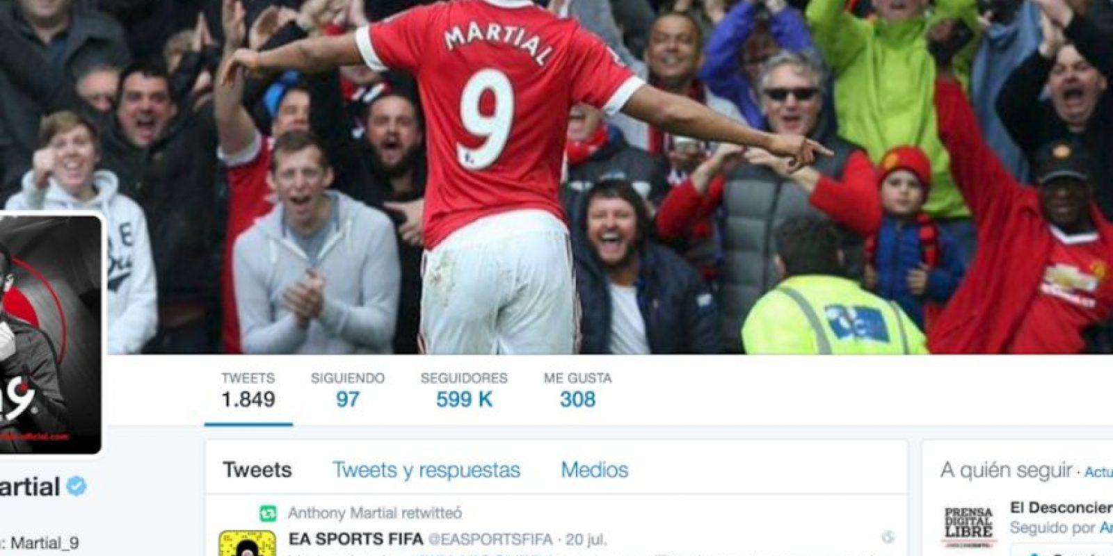 Anthony Martial no estaría contento con el cambio de número y subió una foto a Twitter utilizando la camiseta '9' Foto:Captura de pantalla Twiter Anthony Martial