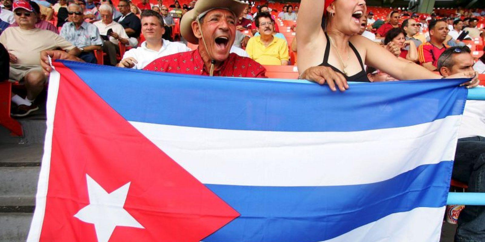 Dentro de su plataforma, el Partido Demócrata planea dar a la isla paridad de fondos destinados al sector salud. Foto:Getty Images