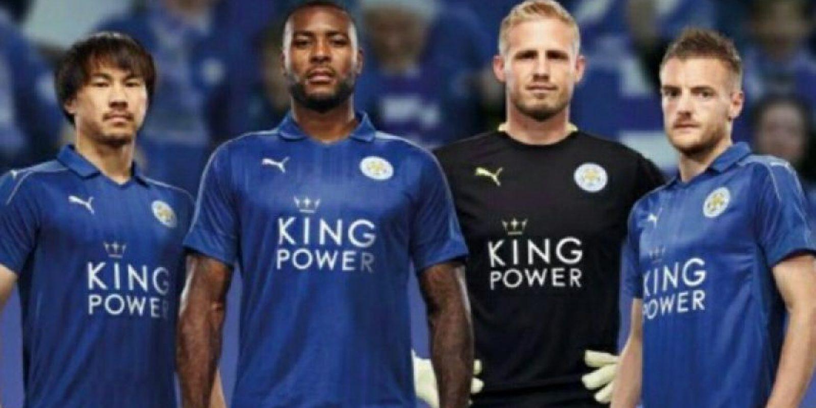 Otro detalle que puede revelar la salida del argelino es que no apareció en las fotografías para promocionar la nueva camiseta Foto:Twitter Leicester