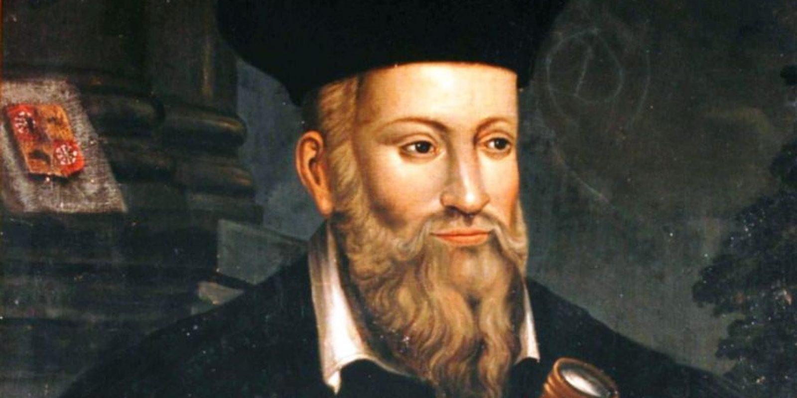 A Nostradamus se le han achacado miles de profecías sobre el fin del mundo. Unos dicen que según el astrólogo, el mundo se acabaría en 2018, otros afirman que en 3797. Foto:vía Wikipedia