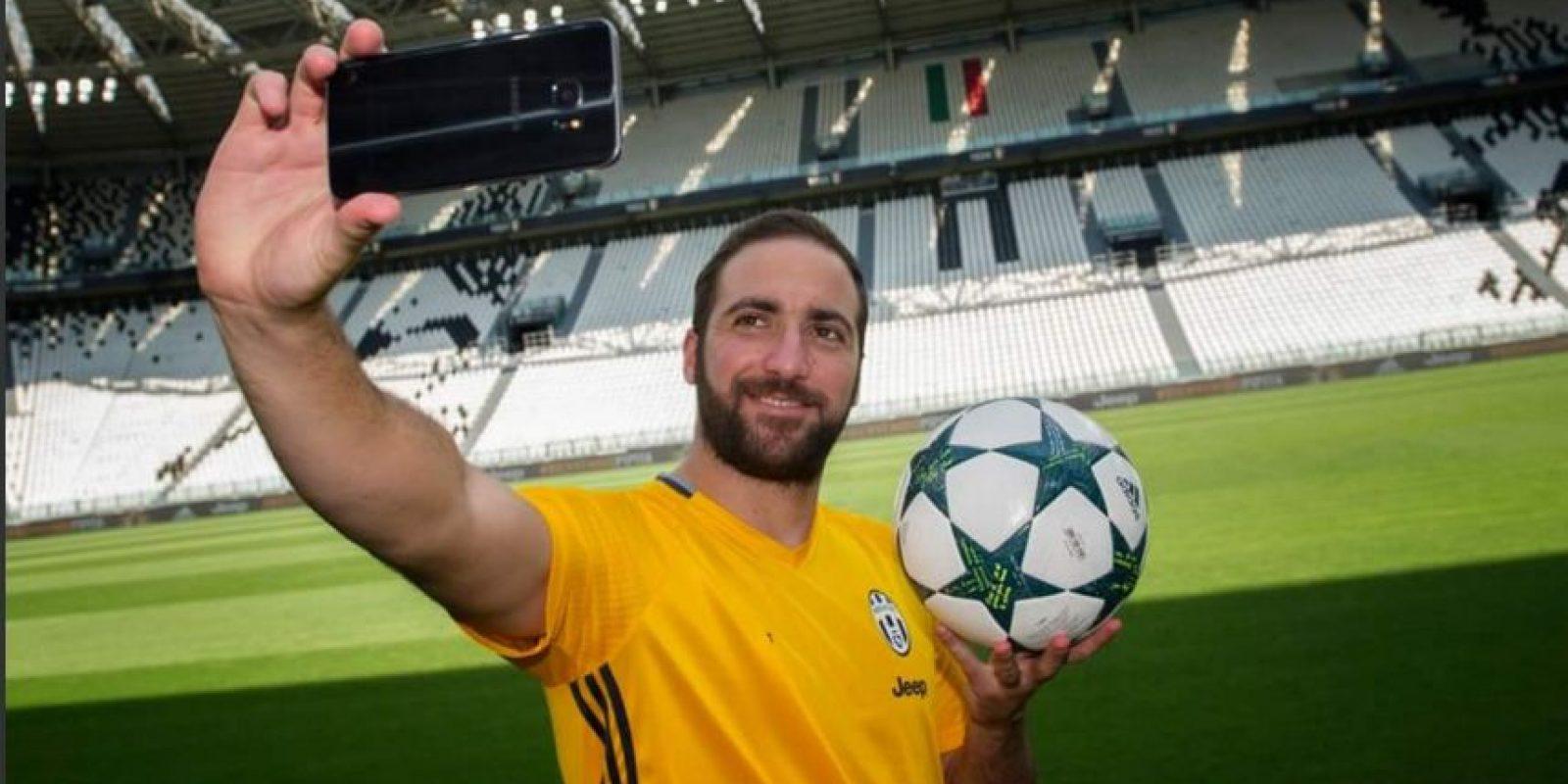 Luego de 36 goles con Napoli y ser el máximo goleador histórico en una temporada de la Serie A, los napolitanos no dudaron en ficharlo Foto:Twitter Juventus