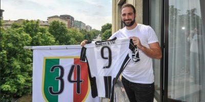Gonzalo Higuaín llegó a Juventus por 90 millones Foto:Twitter Juventus
