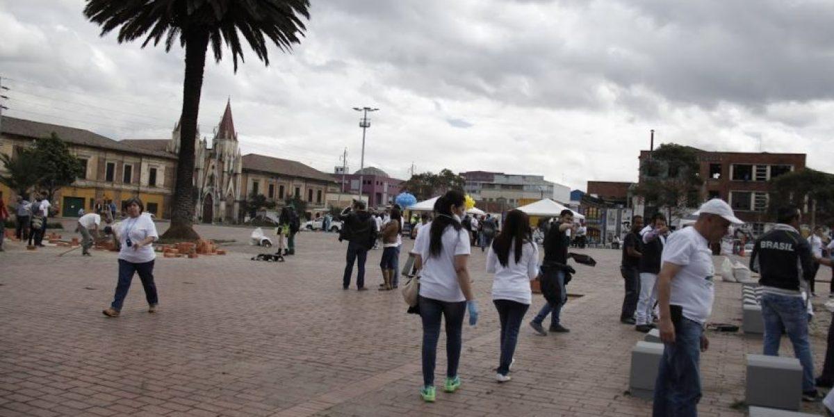 Así quedó la Plaza España después de la jornada de recuperación