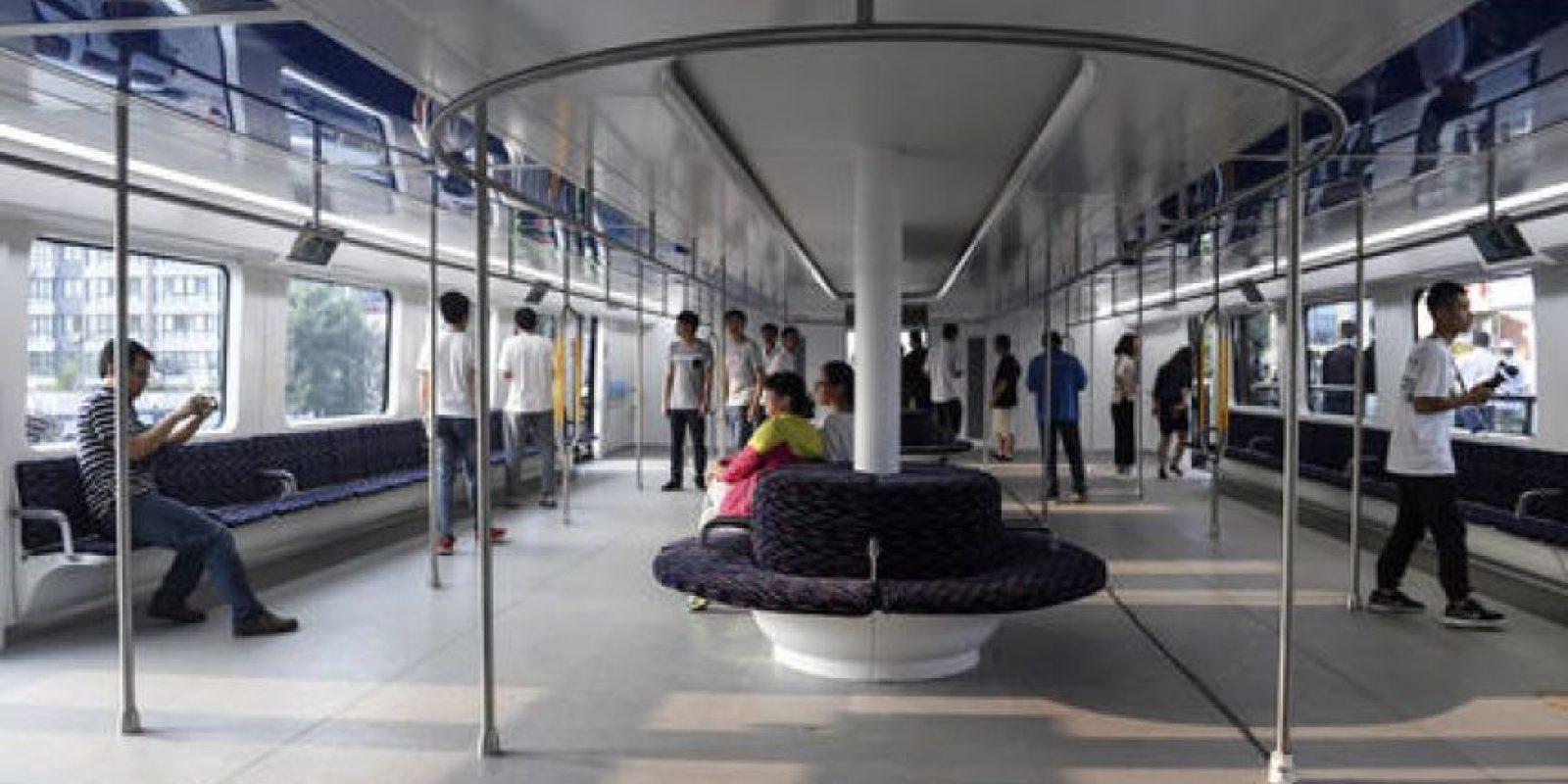 Así luce el interior del enorme autobús Foto:AP