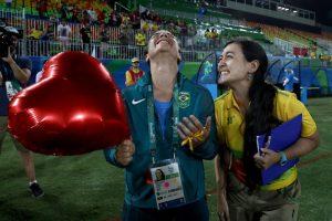 """""""Quise hacerlo para demostrarle al mundo que al final, el amor gana"""", comentó la voluntaria Foto:Getty Images"""