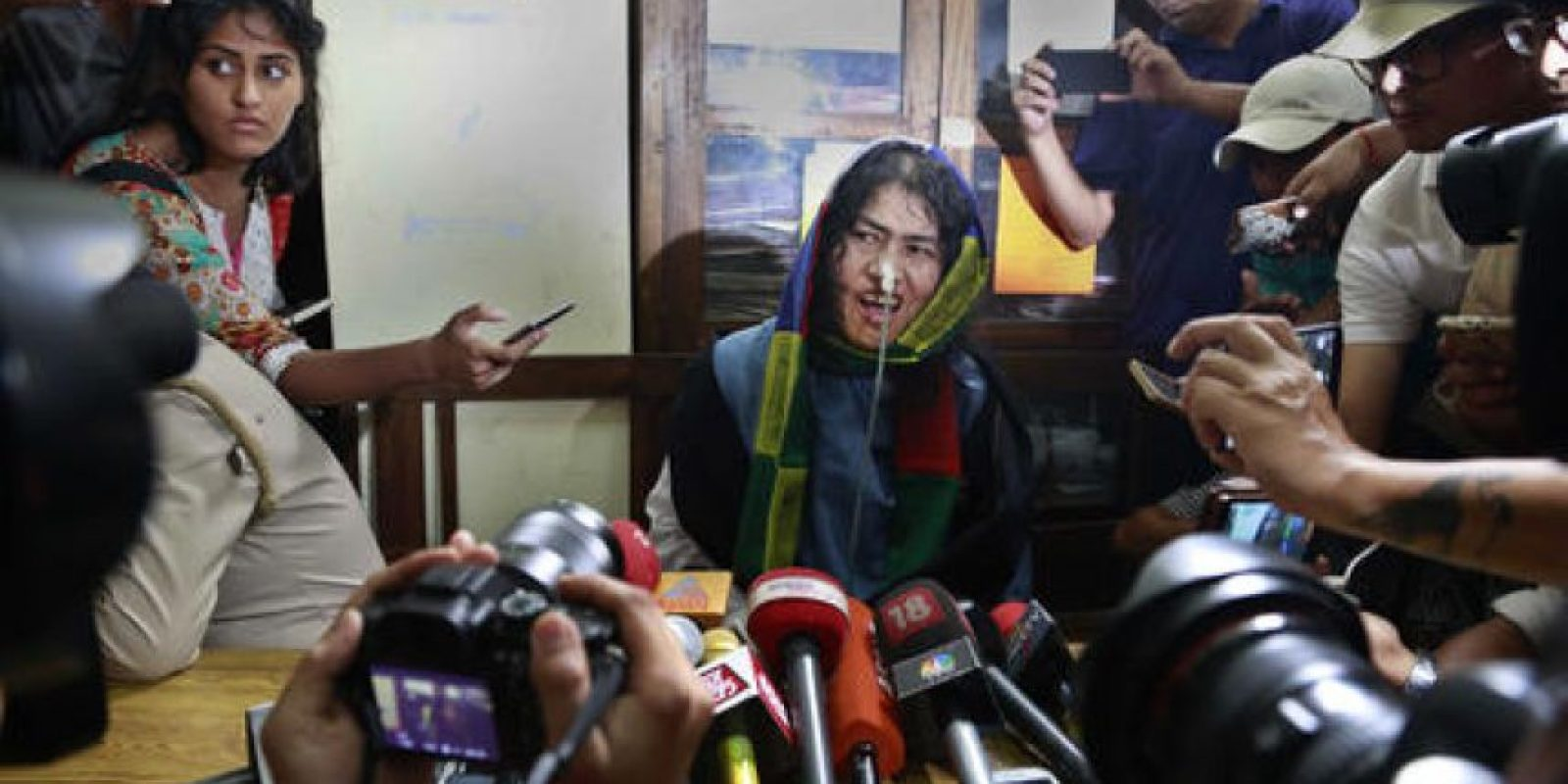 Irom Sharmila al terminar su huelga de hambre Foto:AP
