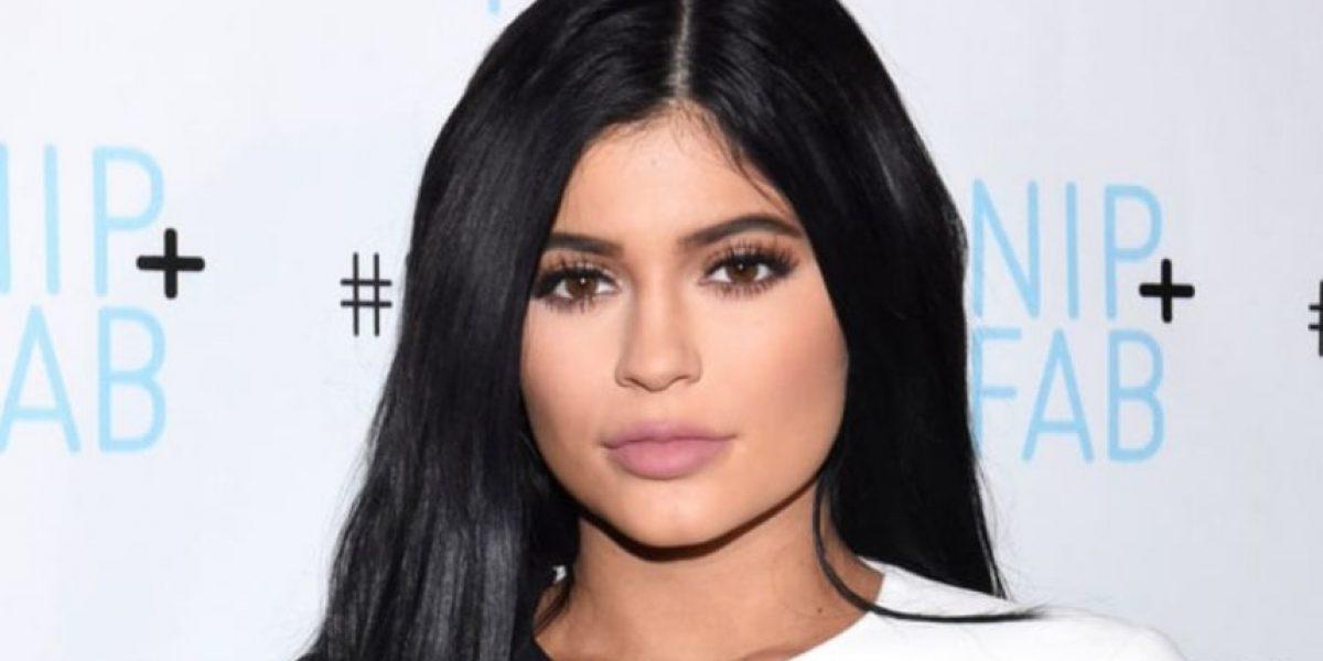 A sus 19 años, Kylie Jenner festeja con drástico cambio de look