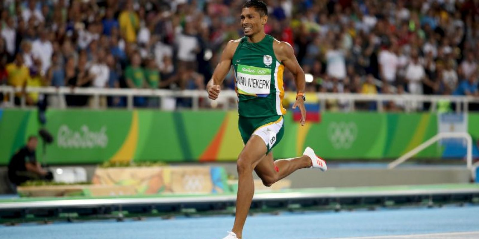 Wayde Van Niekerk. Impuso récord en 400 metros planos Foto:Getty Images