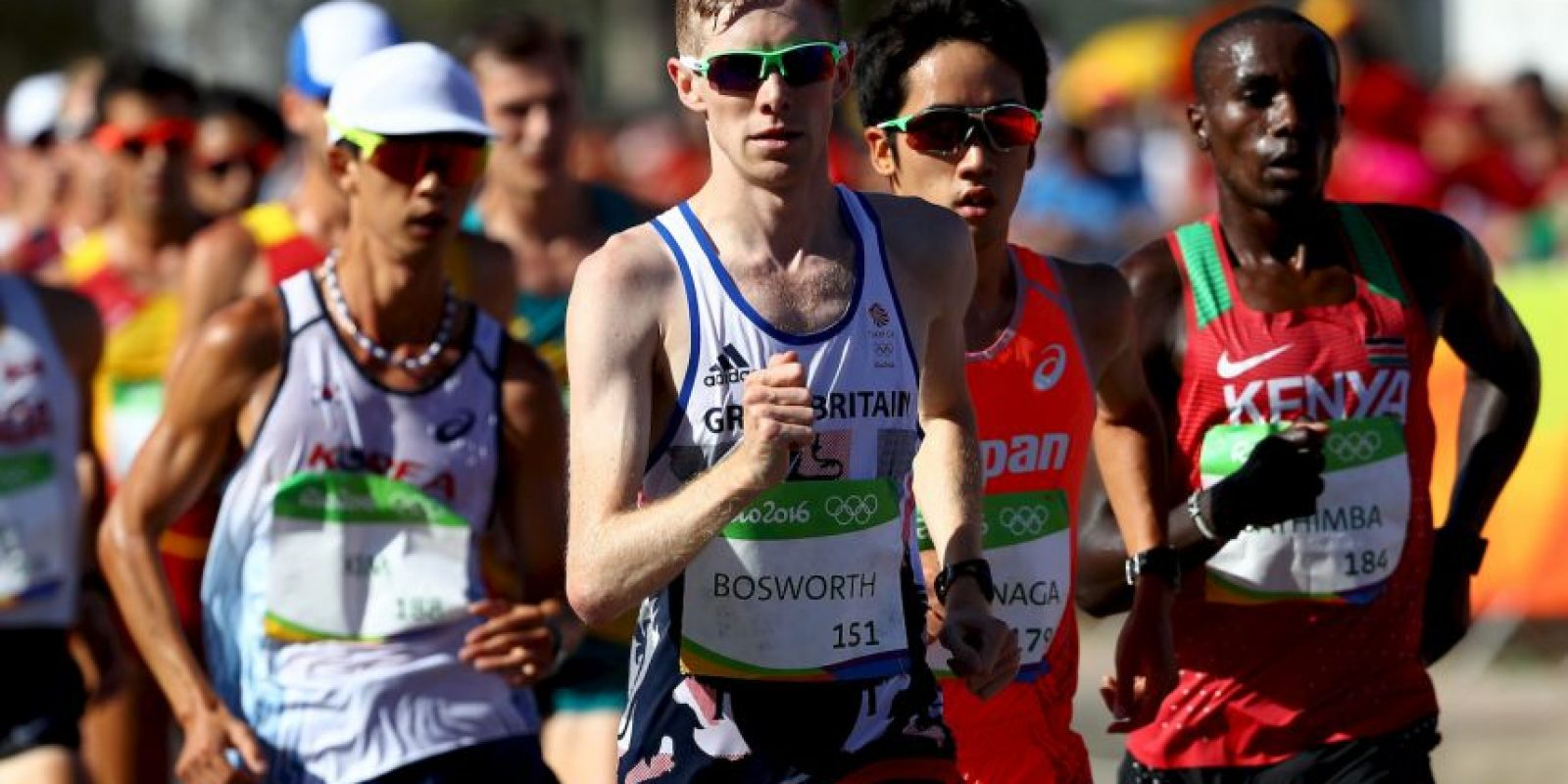 El atleta Tom Bosworth le pidió matrimonio a su novio en las playas de Brasil Foto: Getty Images