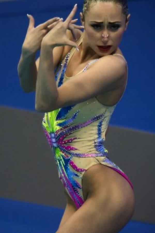 La chica de 24 años tiene posibilidad de subir al podio en nado sincronizado en equipos Foto:Vía instagram.com/annavoloshyna