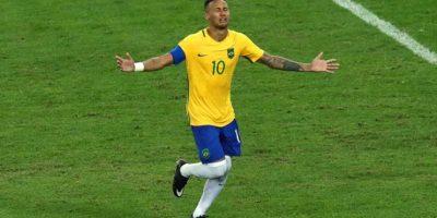 """""""Ney"""" se erigió como el héroe de Brasil al marcar el penal definitiva. Foto:Getty Images"""