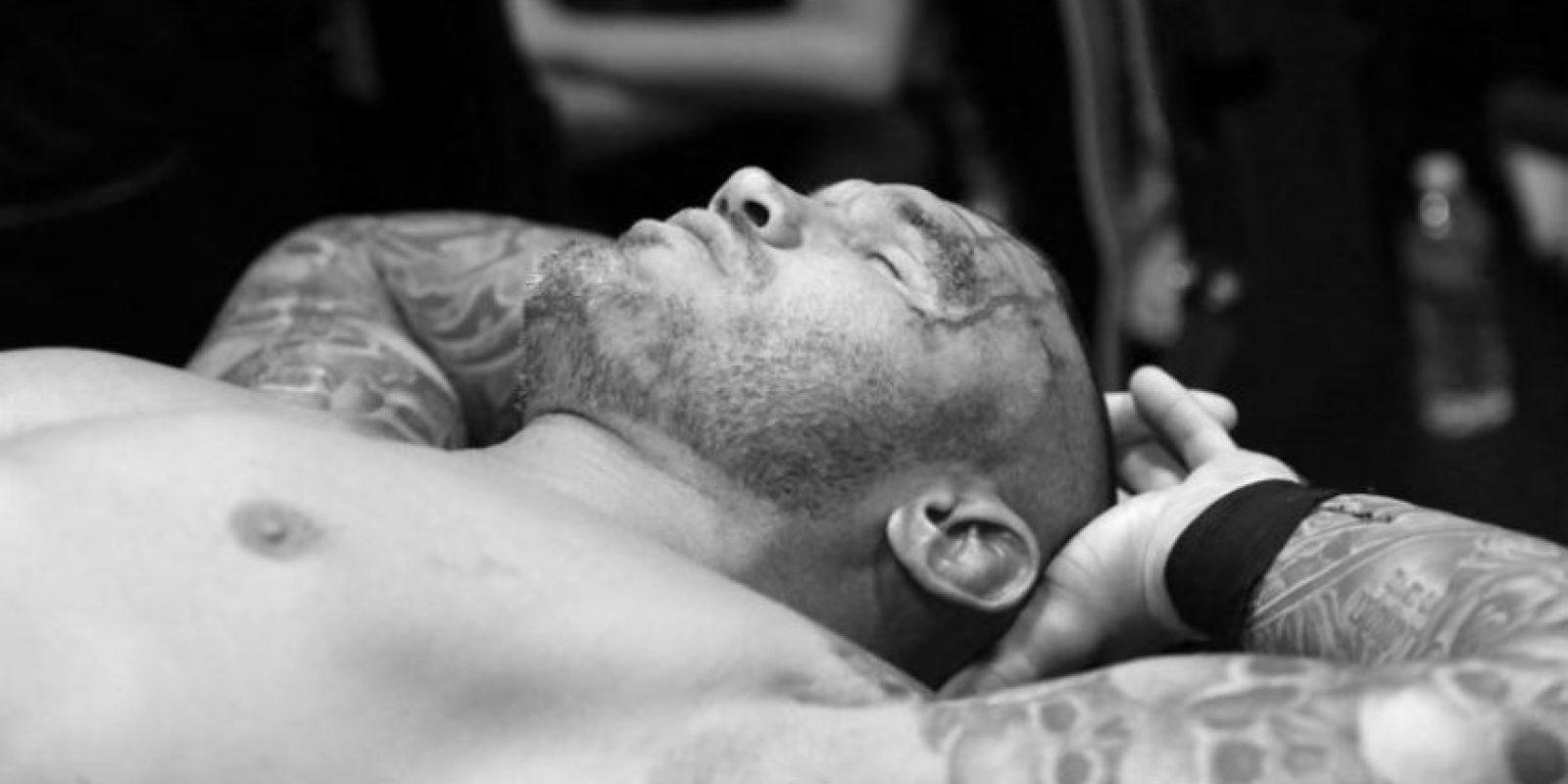 """La """"Víbora"""" necesitó 10 puntos en la cabeza Foto:WWE"""