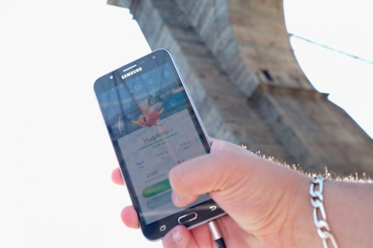 No abran links que prometan premios en Pokémon Go. Foto:Getty Images