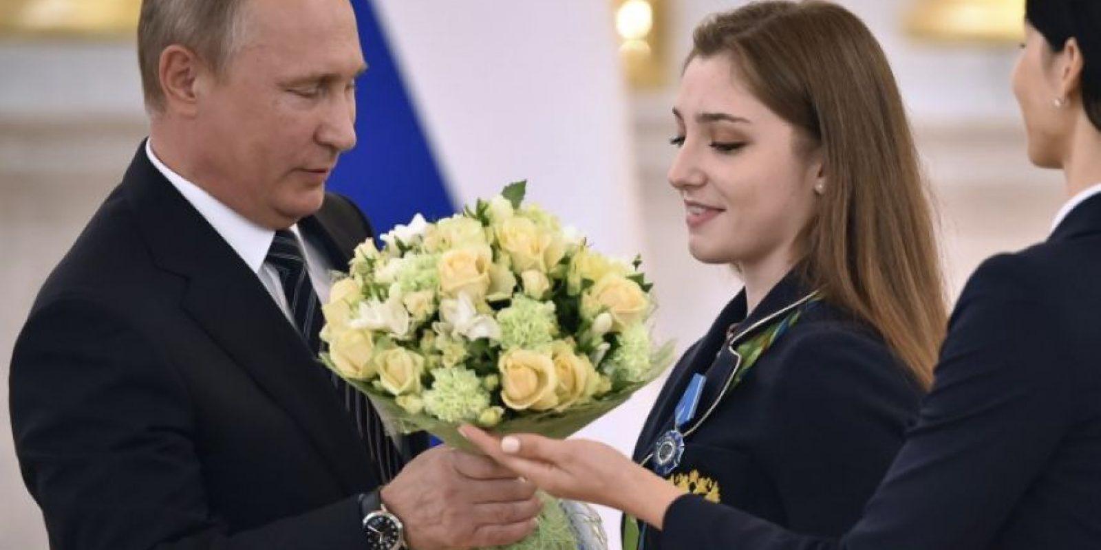 Vladimir Putin regaló autos BMW a cada uno de los medallistas rusos en Río 2016 Foto:AFP