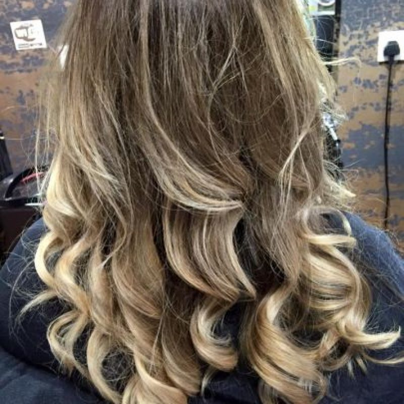"Todo comenzó en el salón de belleza ""McGills Hairdressers"" Foto:Facebook.com/Mcgills-Hairdressers"