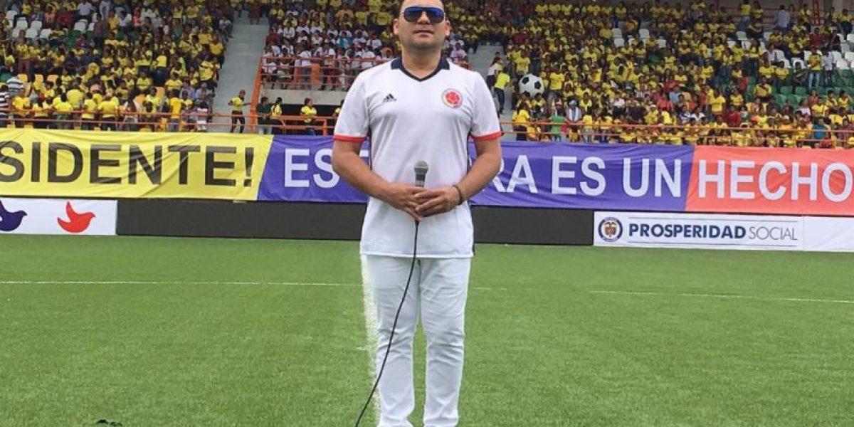 Jean Carlos Centeno cantó el himno en el juego Colombia VS Venezuela