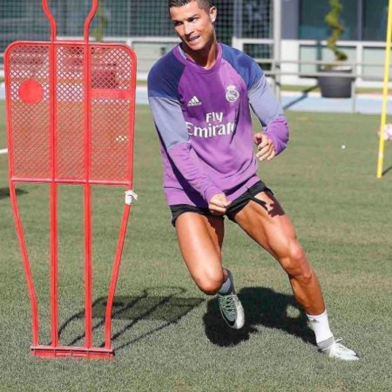 Miren algunos de los looks de Cristiano Ronaldo Foto:Instagram