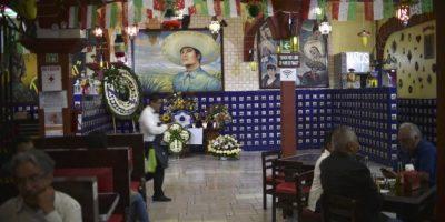 """Homenaje a Juan Gabriel en """"El Tenampa"""", un reconocido bar de la Plaza de Garibaldi Foto:AFP"""