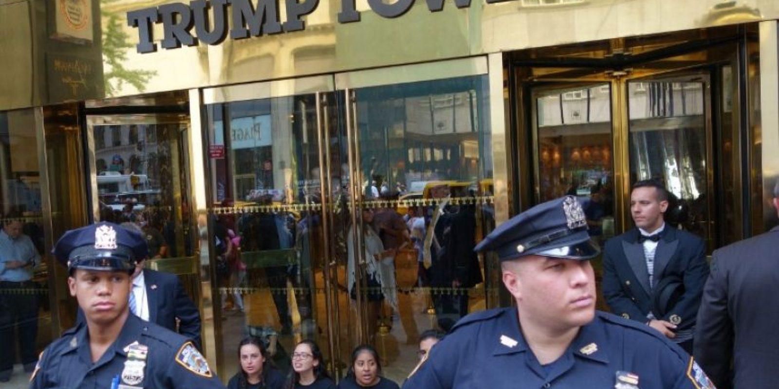 También hubo manifestaciones en la Torre Trump de Nueva York Foto:AFP