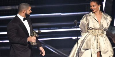 Rihanna y Drake en los MTV VMA'S Foto: Getty Images