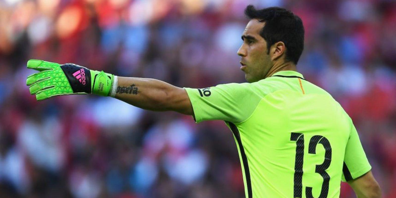 Portero: Claudio Bravo. Manchester City pagó 18 millones de euros a Barcelona Foto:Getty Images