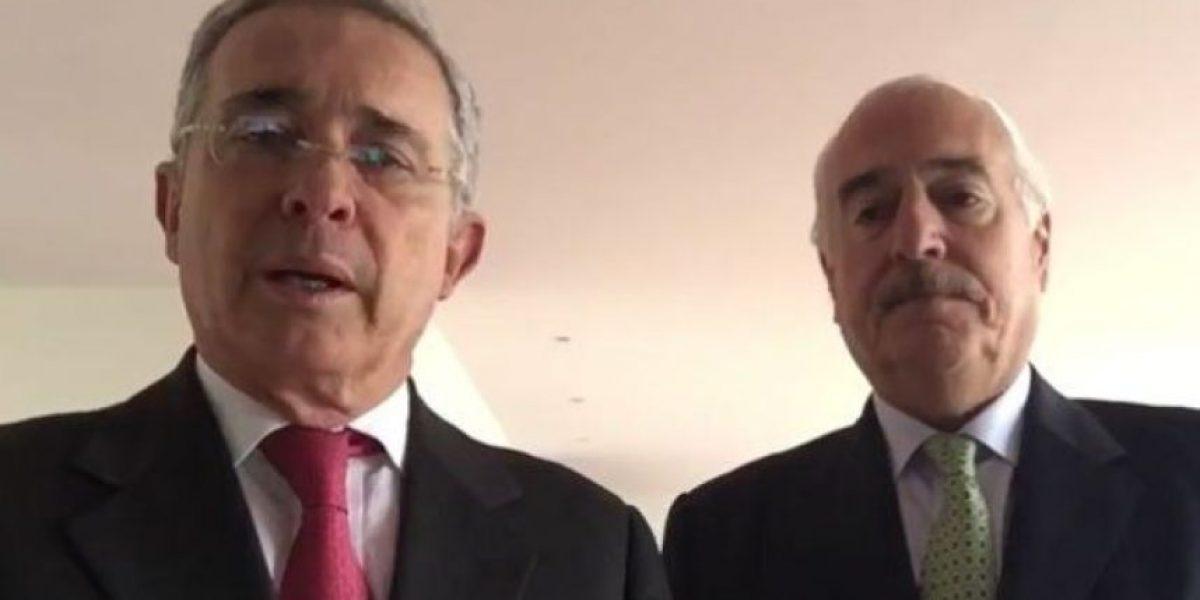 Fotos: las redes se burlaron del video de Álvaro Uribe y Andrés Pastrana