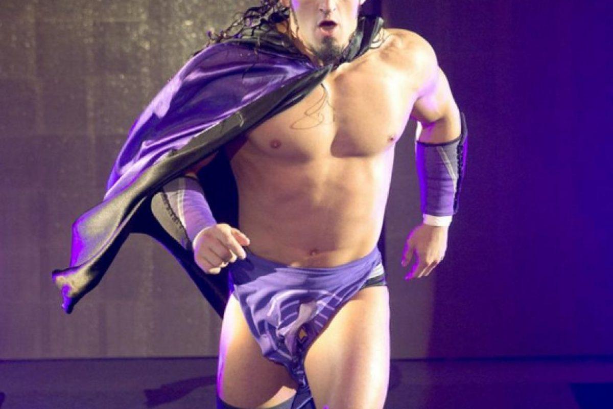 """""""El Hombre que la gravedad olvidó"""" – Neville Foto:WWE"""