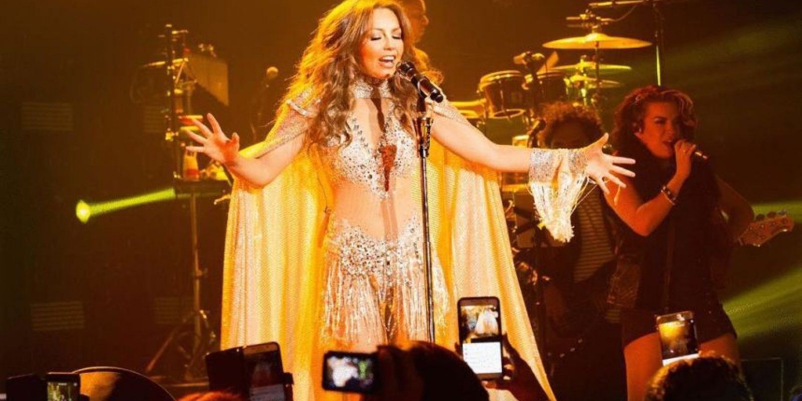 La cantante demuestra el amor por sus fans Foto:Instagram