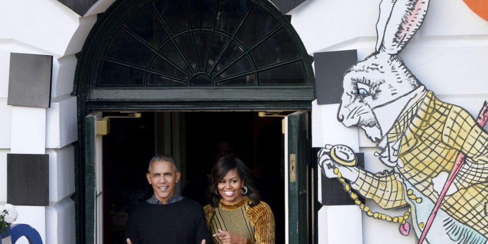 La pareja presidencial regaló dulces a los niños