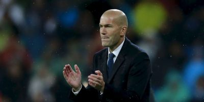 Zinedine Zidane (Real Madrid): Tomó el mando de Real Madrid para reemplazar al despedido Rafael Benítez. Era una apuesta para construir un técnico a futuro, pero respondió. Le entregó un segundo aire a un equipo que parecía que no iba a pelear por nada. Terminó luchando por ganar la Liga y se quedó con el título de la Champions League. La máxima figura del equipo, Cristiano Ronaldo, reconoció el valor que tuvo Zizou para darle un nuevo aire al equipo. 'Con un estilo ofensivo y equilibrado a la vez, devolvió la confianza a sus principales jugadores y, sobre todo, respondió de forma inmejorable a quienes dudaban de su capacidad para entrenar al más alto nivel', rescatan desde la FIFA. Foto:Getty Imges
