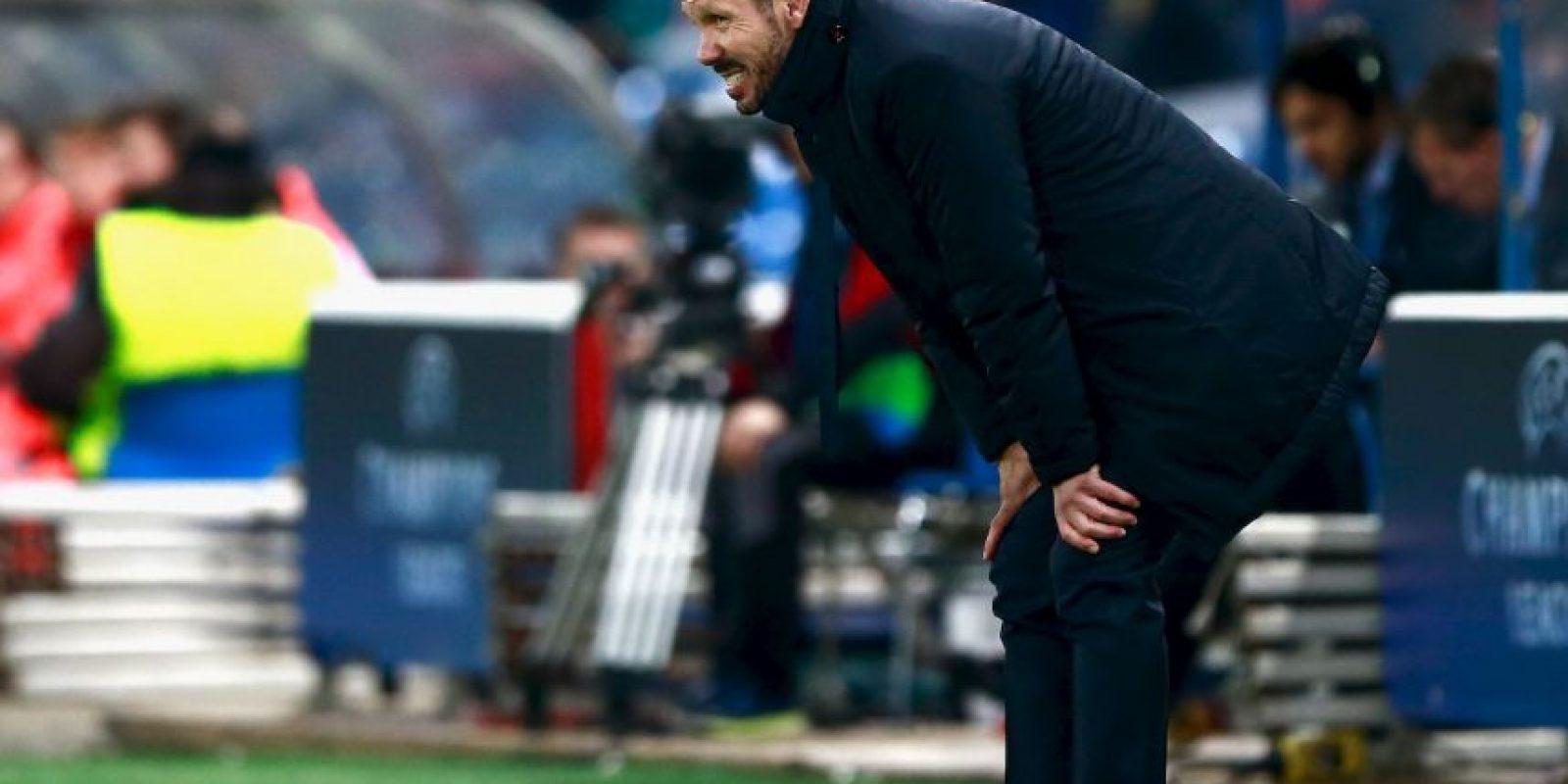 Diego Simeone (Atlético de Madrid): Tiene a los Colchoneros disfrutando nuevamente con ser uno de los mejores equipos de Europa. Luego de estar en el descenso y ser un actor de reparto en el Viejo Continente y en España, la llegada del Cholo hace unos años fue significativa para que vuelvan al sitial de honor. Su selección se basa en haber llevado a Atlético de Madrid a la final de la Champions League y haberle peleado la liga hasta el final a Barcelona. ' Su Atlético de Madrid cayó por penales ante el Real Madrid en el partido decisivo, pero en el camino eliminó nada menos que al FC Barcelona y al Bayern de Múnich. Su quinto año como entrenador colchonero incluyó pelear otra vez el título de la Liga española hasta el final: quedó tercero a sólo tres puntos del campeón Barcelona', señalan desde la FIFA. Foto:Getty Images