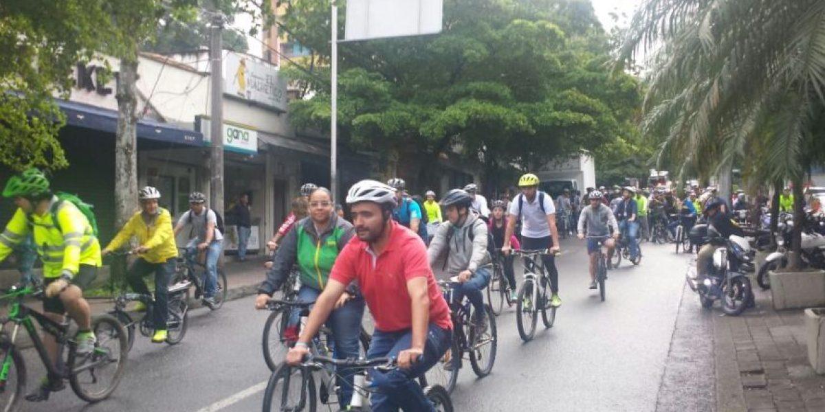 Así le cumplieron el reto el alcalde de Medellín y los servidores públicos a Peñalosa