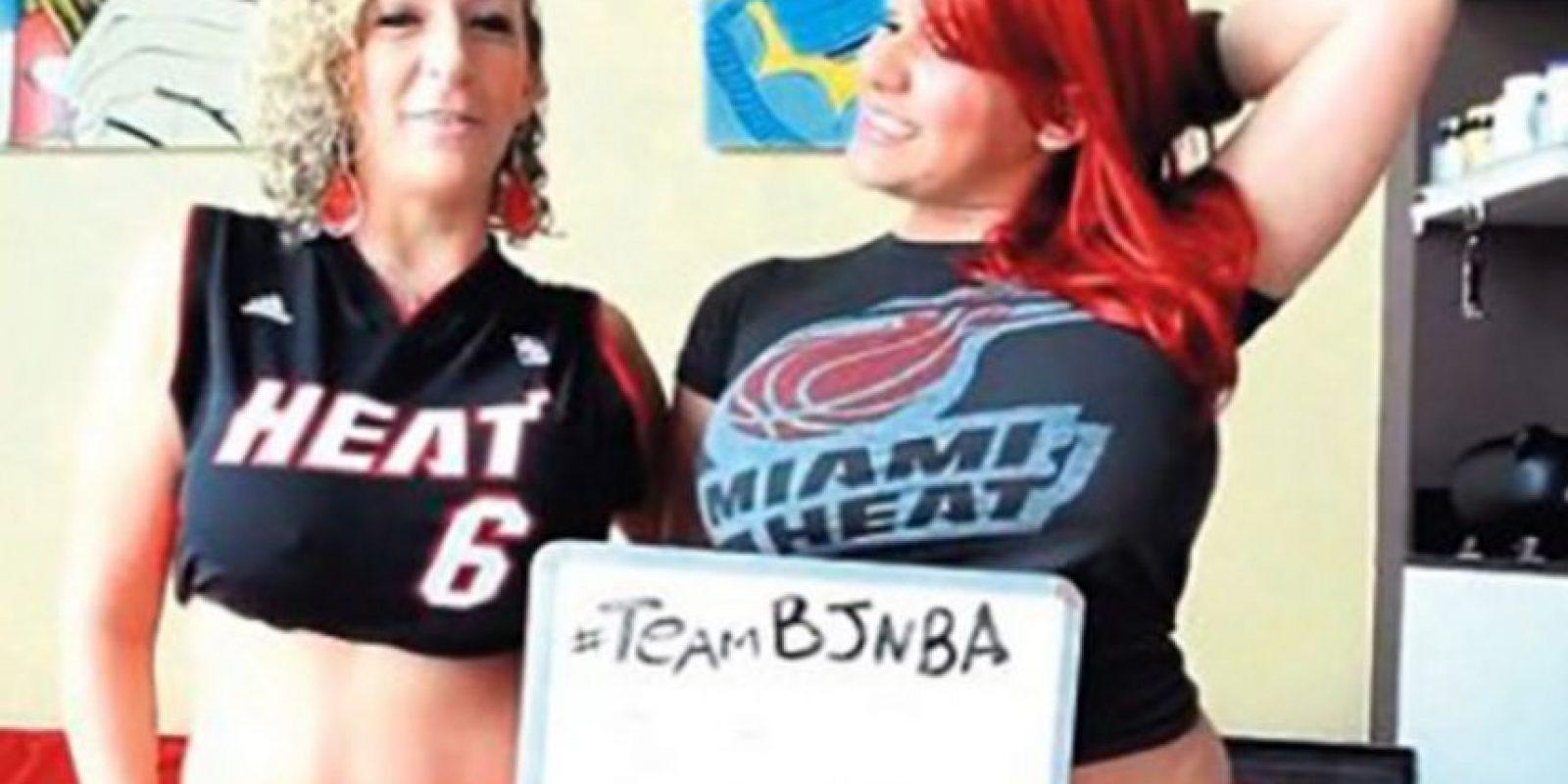 Sara Jay y Angelina Castro aseguraron que regalarían sexo oral a sus seguidores si Miami Heat se coronaba en 2012 Foto:Instagram