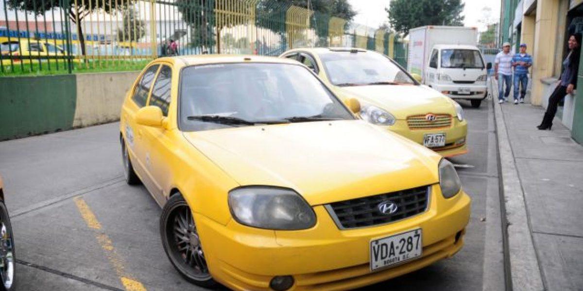 Joven se encuentra en cuidados intensivos tras agresión de taxistas en Bogotá