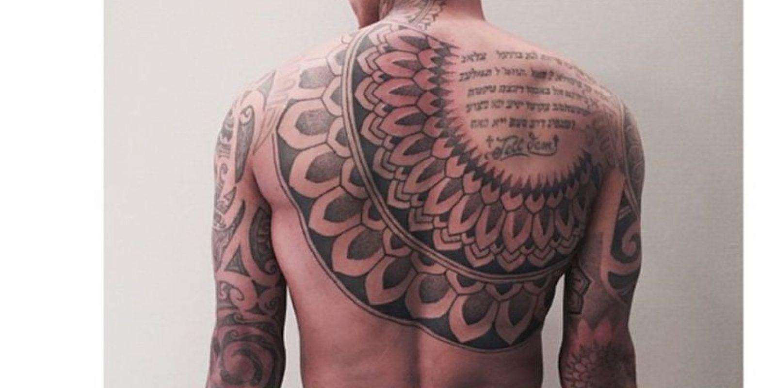 Nigel De Jong: El holandés tiene tatuado su pecho, su espalda y sus brazos con diseños de la Polinesia, tal como los que usaban los guerreros de esa zona. Foto:Instagram Nigel De Jong