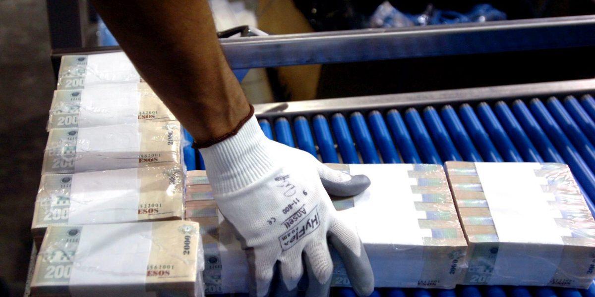 Autoridades incautan en Bogotá planchas para falsificar billetes