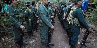 FARC separa de sus filas a cinco mandos