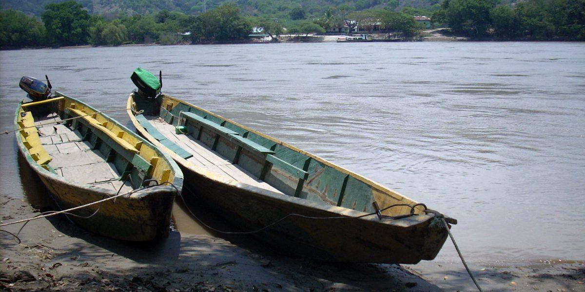 Buscan a dos niñas que cayeron al Río Magdalena