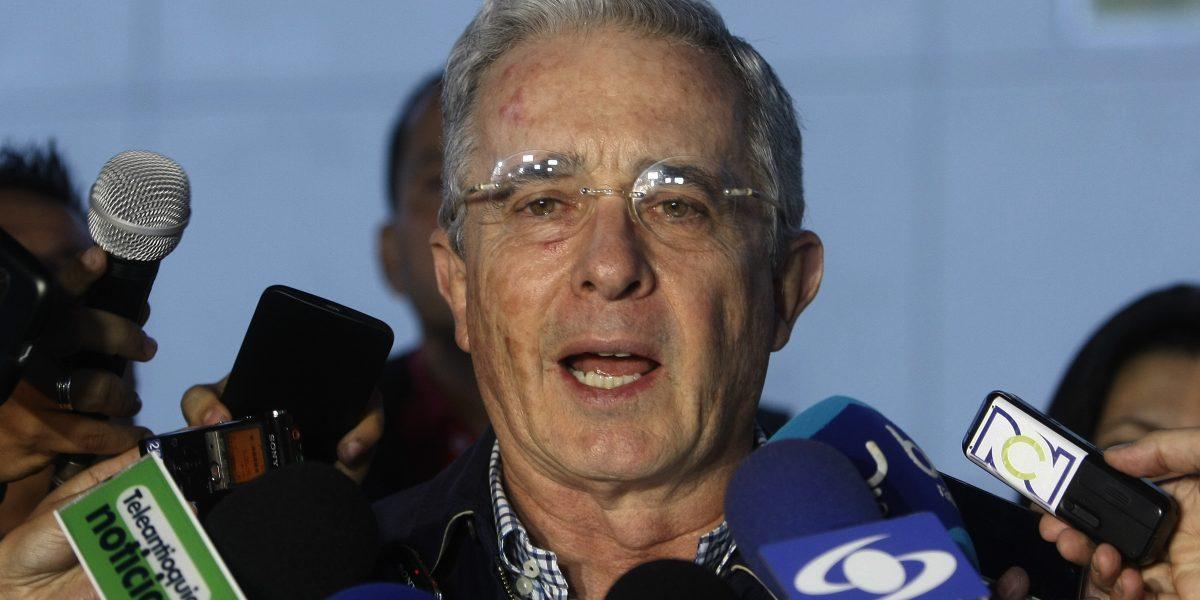 Uribe rechaza que nuevo acuerdo de paz sea refrendado en el Congreso