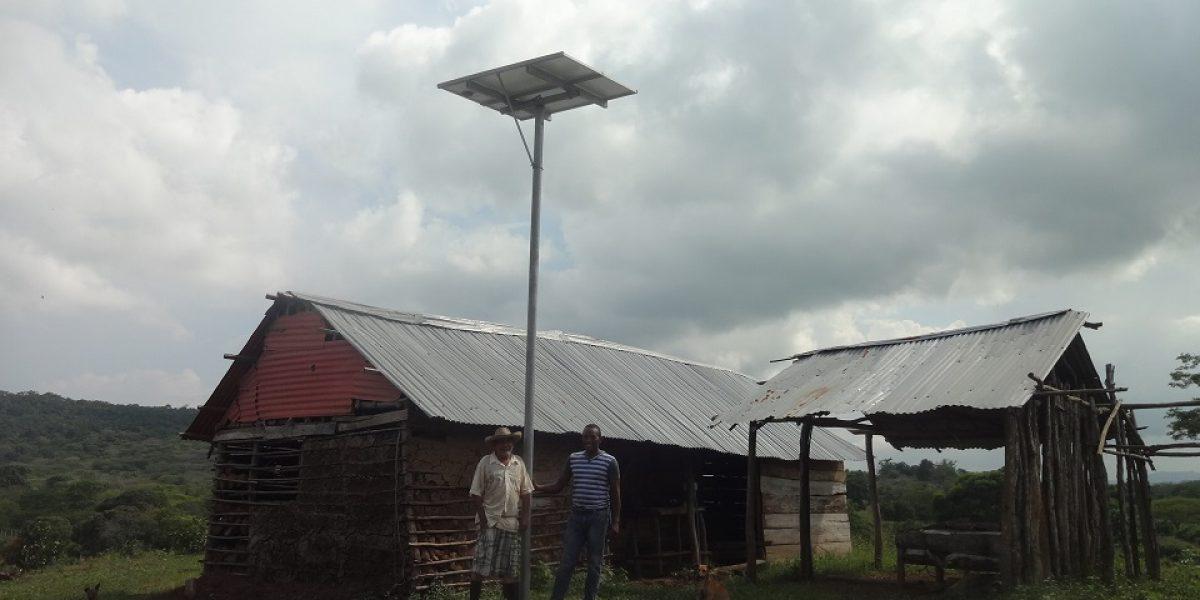 Con paneles solares la electricidad llega a campesinos en Atlántico
