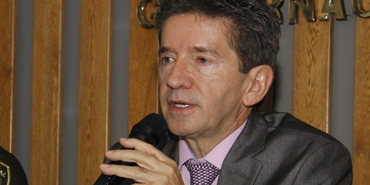 """""""El postconflicto no se puede volver una guachafita"""": Luis Pérez"""