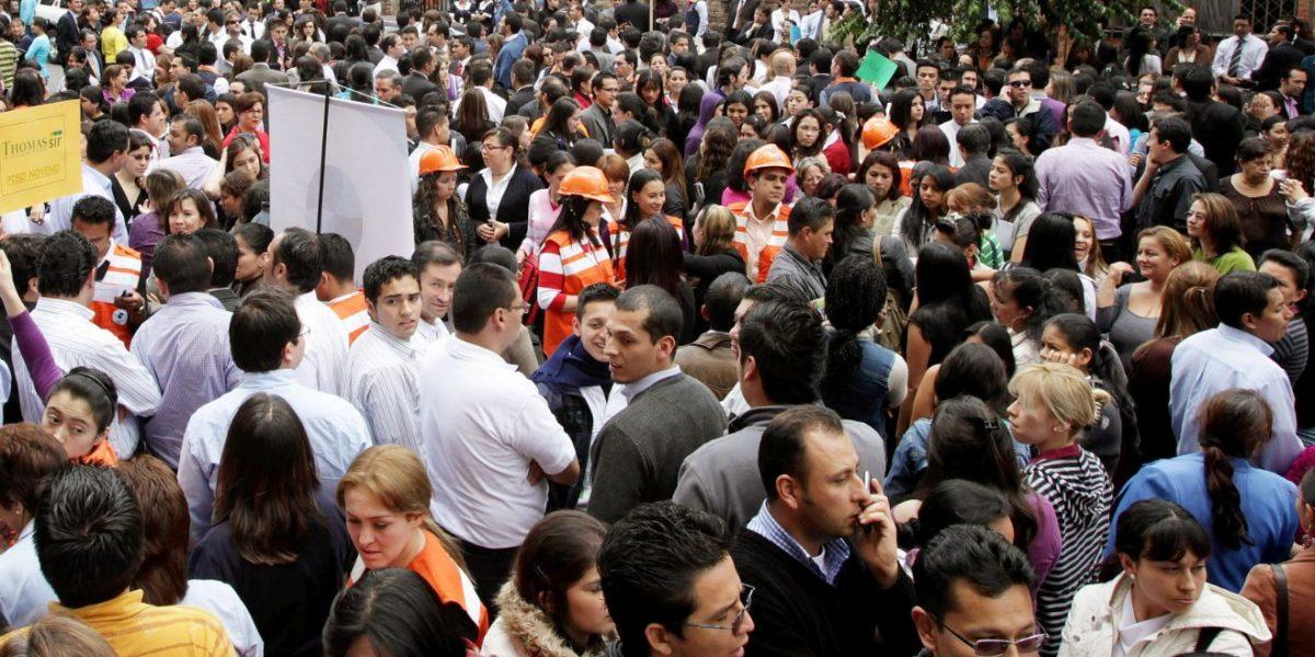 Evacúan edificio en Bogotá tras explosión de planta eléctrica