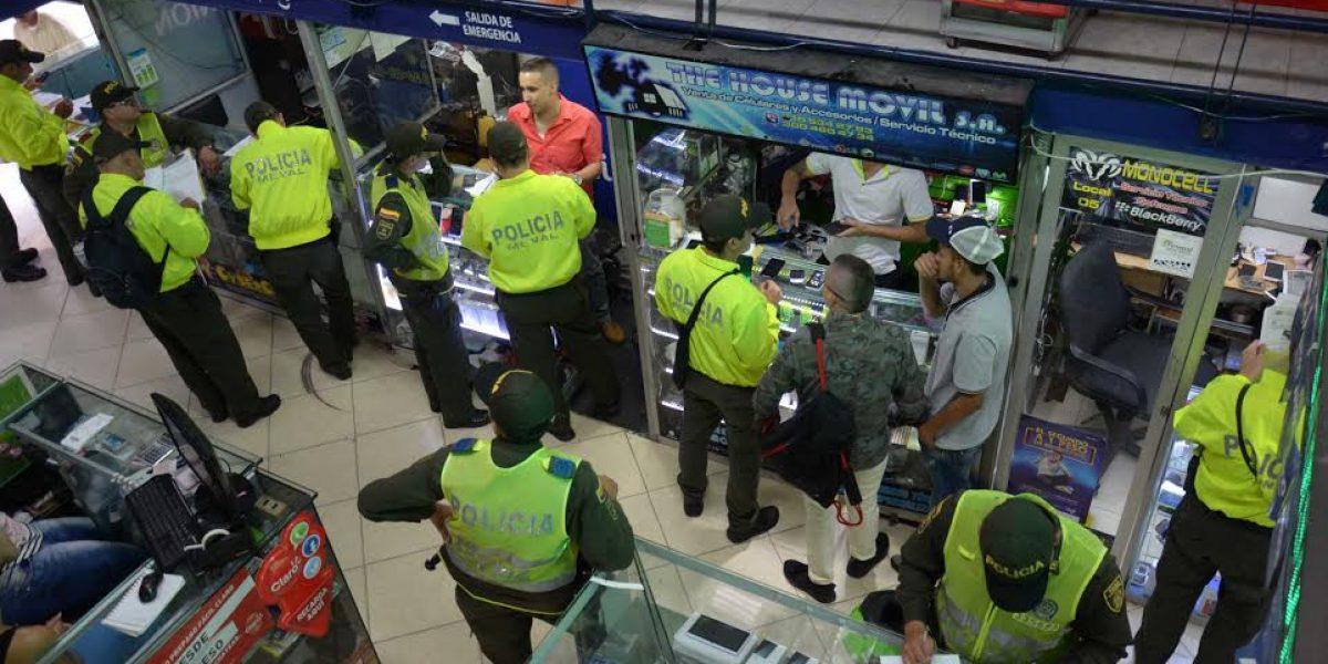 Autoridades sellaron 202 locales comerciales del Centro de Medellín