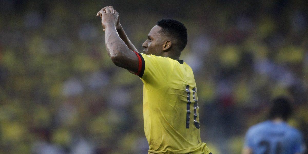 Yerry Mina salió lesionado y preocupa al Palmeiras